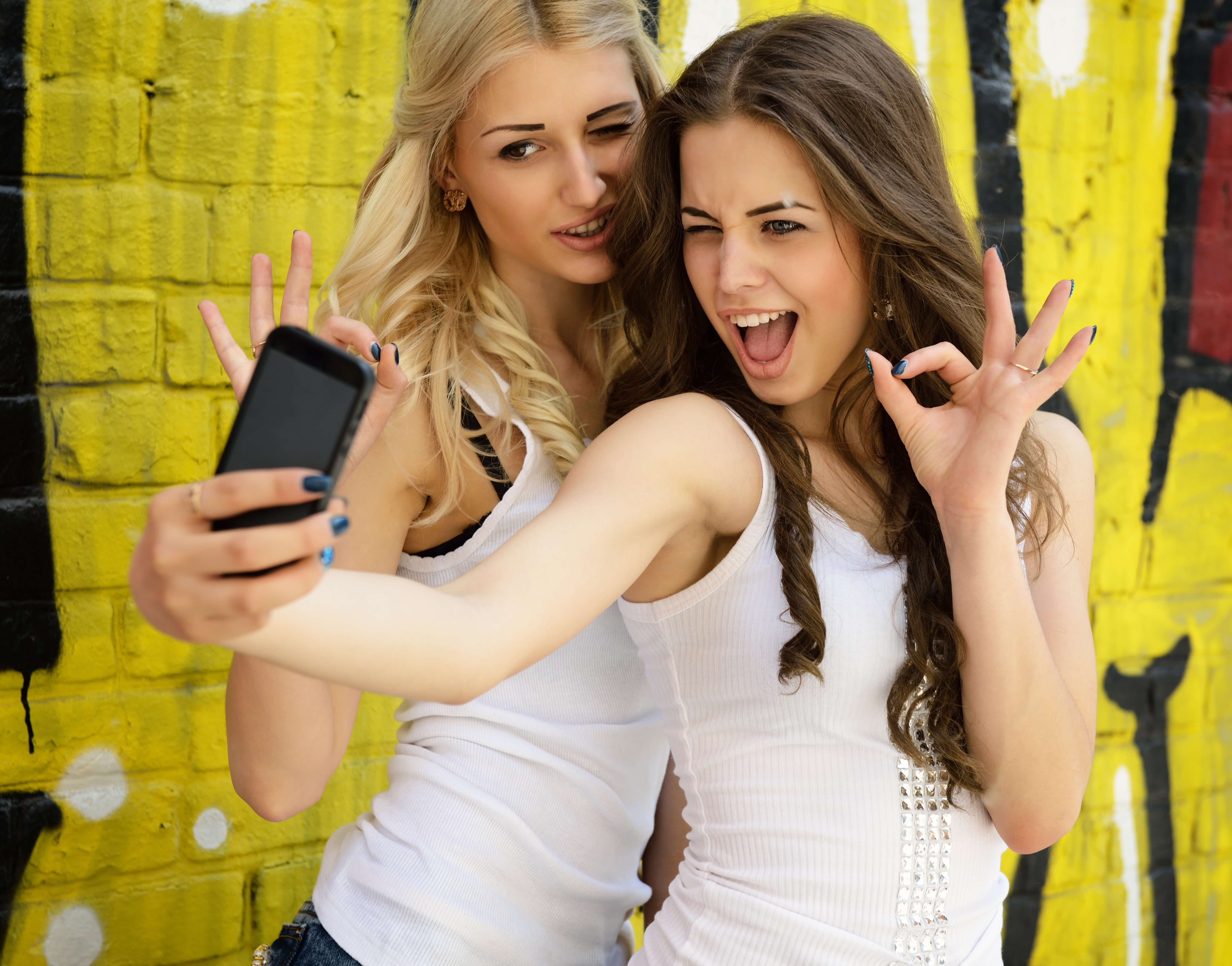 Snapchat vs instagram comparison protect young eyes blog - Teenager girl simple home ...