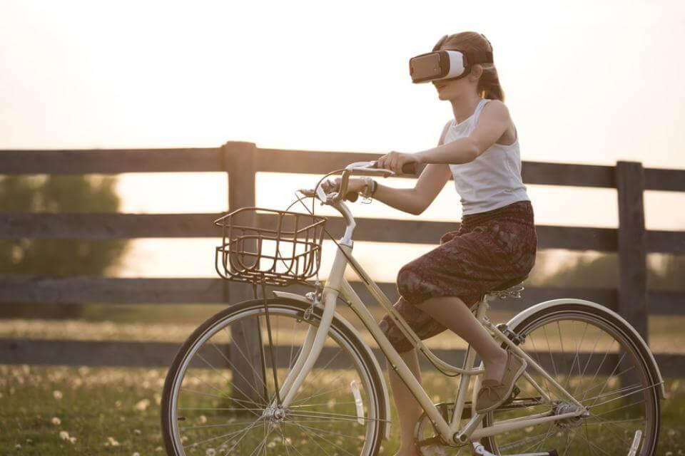 virtual-reality-girl